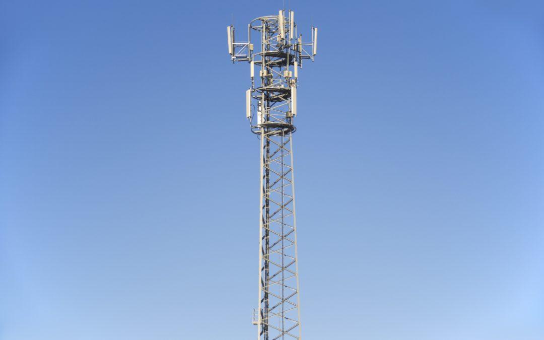 RÉSEAU TÉLÉPHONIQUE : Implantation d'une antenne relais.